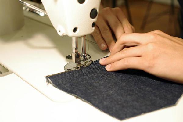 KCP 紹介 デニム_ミシン縫い.JPGのサムネイル画像