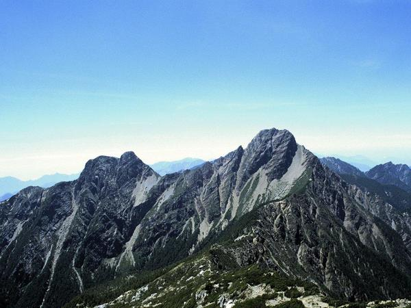 Mount_Yu_Shan_-_Taiwan.jpg